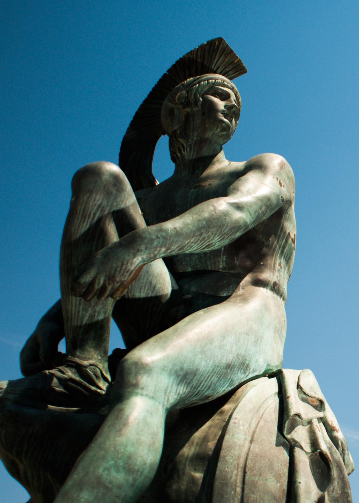 Statue_of_Theseus,_Syntagma_Square._Athens._Greece.jpg