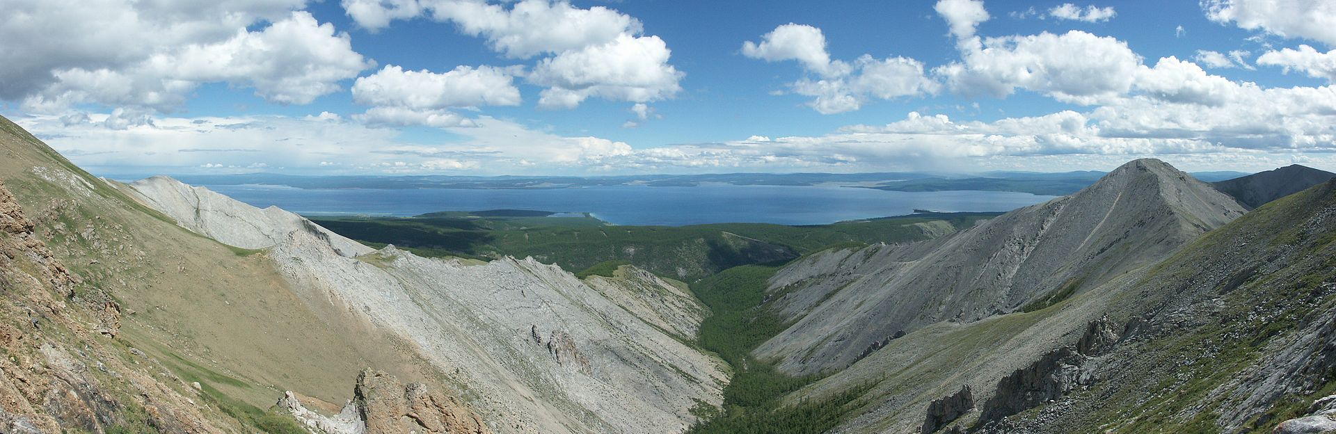 Panoramic_view_of_Lake_Khövsgöl.jpg