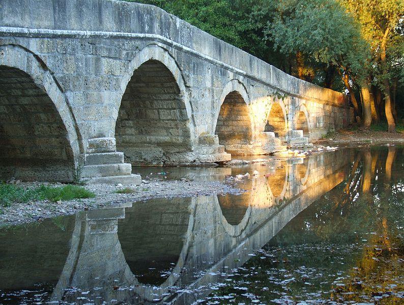794px-Ilid%C5%BEa_-_Roman_bridge.jpg