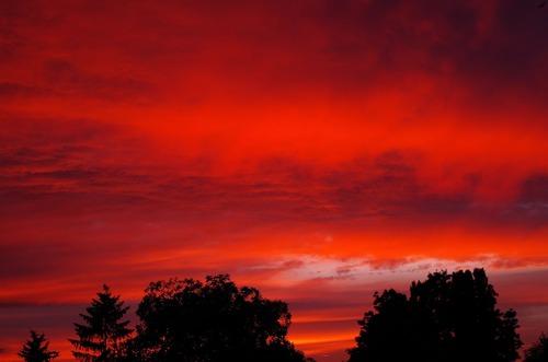 Фотография неба, наблюдаемого в SCP-4156-1, перед восстановлением окружающей среды.|width=300px