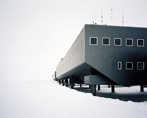 Amundsen%E2%80%93Scott_South_Pole_Station.jpg