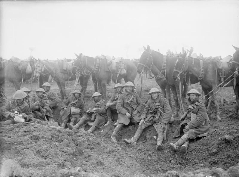 British_cavalry_resting_1917.jpg