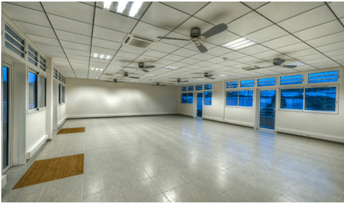 Empty_room_of_the_Groupe_Omicrone.png